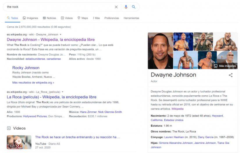 Google Discover: Screen de cómo se ve la búsqueda en Google de The Rock, y cómo se la relaciona con la entidad Dwayne Johnson.